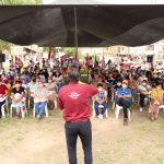 Colonos y arquitectos atentos de proyecto de Carlos Peña Ortiz